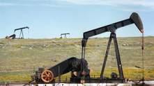 Коронавірус продовжує тиснути на світовий ринок нафти: ціни на сировину знову падають