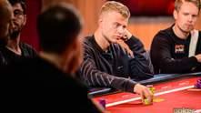 Финский покерист выиграл фиолетовый пиджак и 735 тысяч долларов