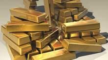 Золото и серебро растут в цене из-за падения доллара: что будет дальше