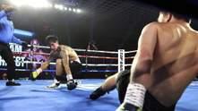 Подвійний нокдаун: боксери зустрічними ударами завалили одне одного – відео