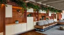 Шкафы-перегородки: красивый ремонт просторной квартиры в историческом доме с Сан-Паулу – фото