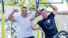 Кличко провів тренування зі стронгменом, який може протягнути 12 автівок: фото