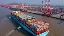 Китай увеличил экспорт на 7,2%, тогда весь мир в кризисе