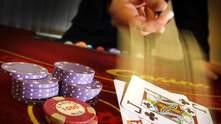 Самый главный за столом: профессия покерного дилера