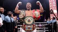 Усик може битися за титул WBO: Джошуа готовий залишити пояс
