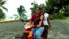 Тувалу - всього за 10 доларів ви зможете цілий день кататися на мотобайку