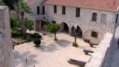 Ларнака поєднала у собі старовинну архітектуру, історію та сучасні бутіки