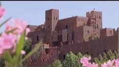 Місто Марракеш: торгівля найекзотичнішими прянощами та найзахопливіші вуличні вистави Сходу
