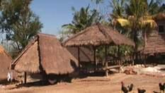 Ломбок - забытый остров с жуткими статуями
