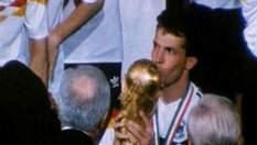 Зіграти на п'яти чемпіонатах світу зуміли лише двоє - Карбахаль і Маттеус