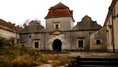 Мандрівка Україною. Свірзький замок – фортеця, де не хочеться думати про війну