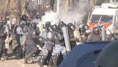 Хроника Евромайдана. В Киеве уличные бои,  протесты охватили другие города Украины