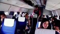 Брат с сестрой чудом выбрались из самолета, который взорвался после аварии