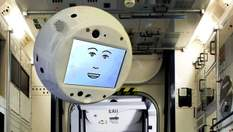 Робот CIMON с искусственным интеллектом будет давать советы космонавтам