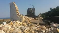 В Одесі на території Гідрометцентру прогримів вибух: будівля повністю зруйнована (фото)