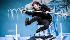 Маэстро на все руки: легендарному солисту Iron Maiden Брюсу Дикинсону – 60!