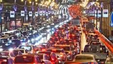 У Києві виникли затори на дорогах: на яких вулицях ускладнено рух