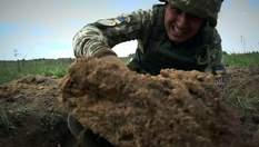 """""""Лопата – ваша жизнь"""": какими беспощадными методами учат закапываться украинских курсантов"""