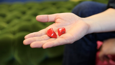 Навушники-перекладачі Pilot Waverly Labs з легкістю допомагають долати мовний бар'єр