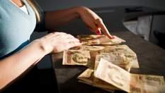 """Як українці """"віддають"""" свої гроші на підкуп виборців"""