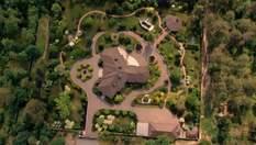 Роскошные дома на государственных землях: как чиновники захватывают территории Пущи-Водицы