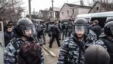 Постійні обшуки та арешти: на що перетворилося життя кримських татар, що не зрадили Україну