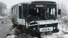 Смертельна ДТП на Тернопільщині: жінка вилетіла з маршрутки через лобове скло