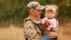 Як говорити з дитиною про війну: важливі поради