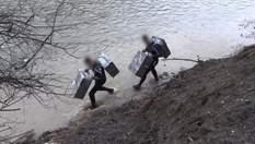 Пірнають, як бобри: як тютюнові контрабандисти на Закарпатті переправляють товар