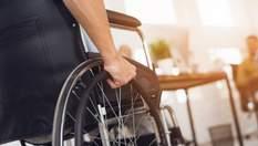 Залишили посеред цвинтаря: обурливі приклади цинічного ставлення до людей з інвалідністю