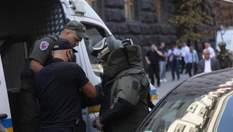 Чоловіка, який прийшов з гранатою у Кабмін, затримали