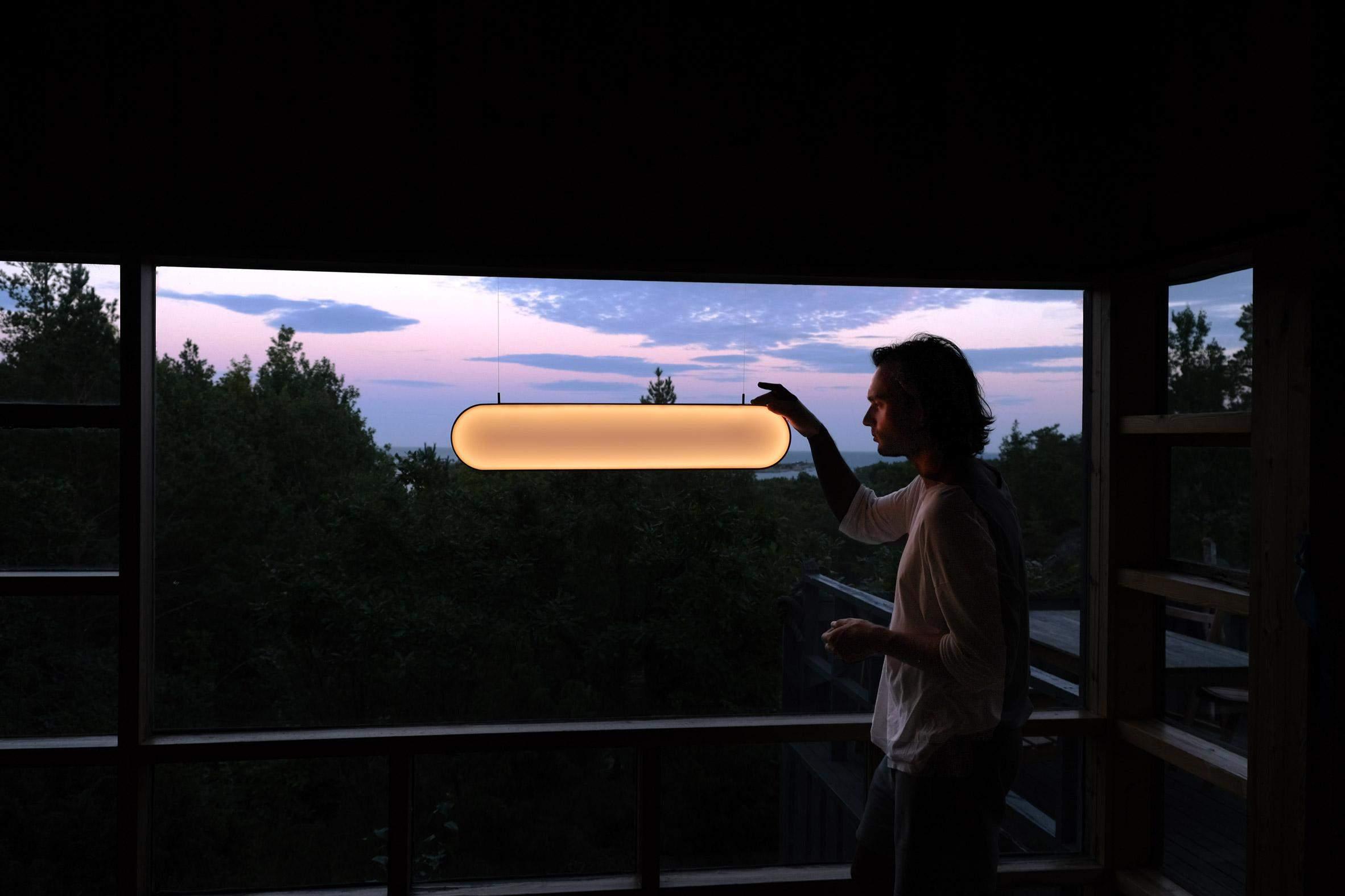 Лампа має 3 режими світіння