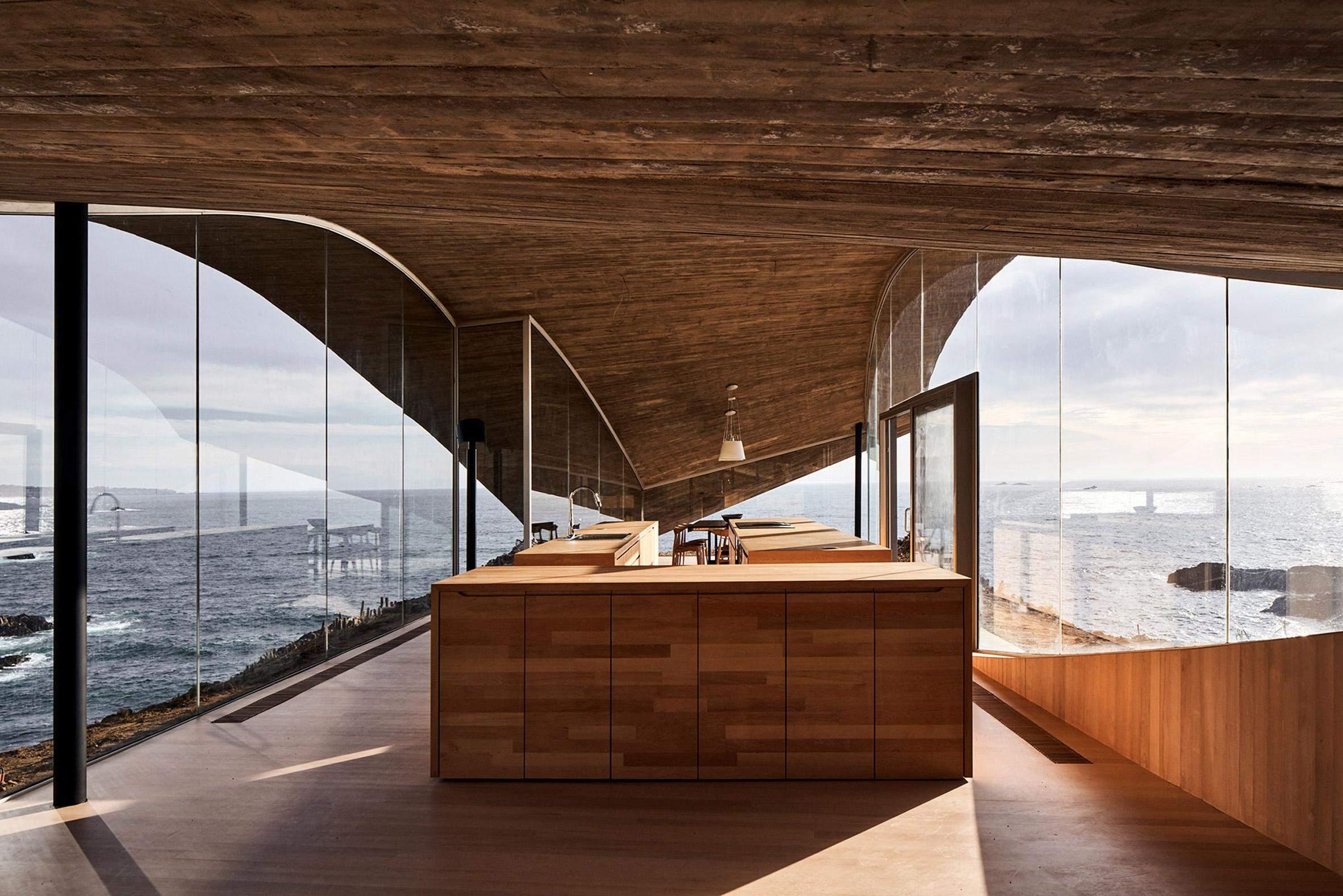 Кухня похожа на корабль в океане