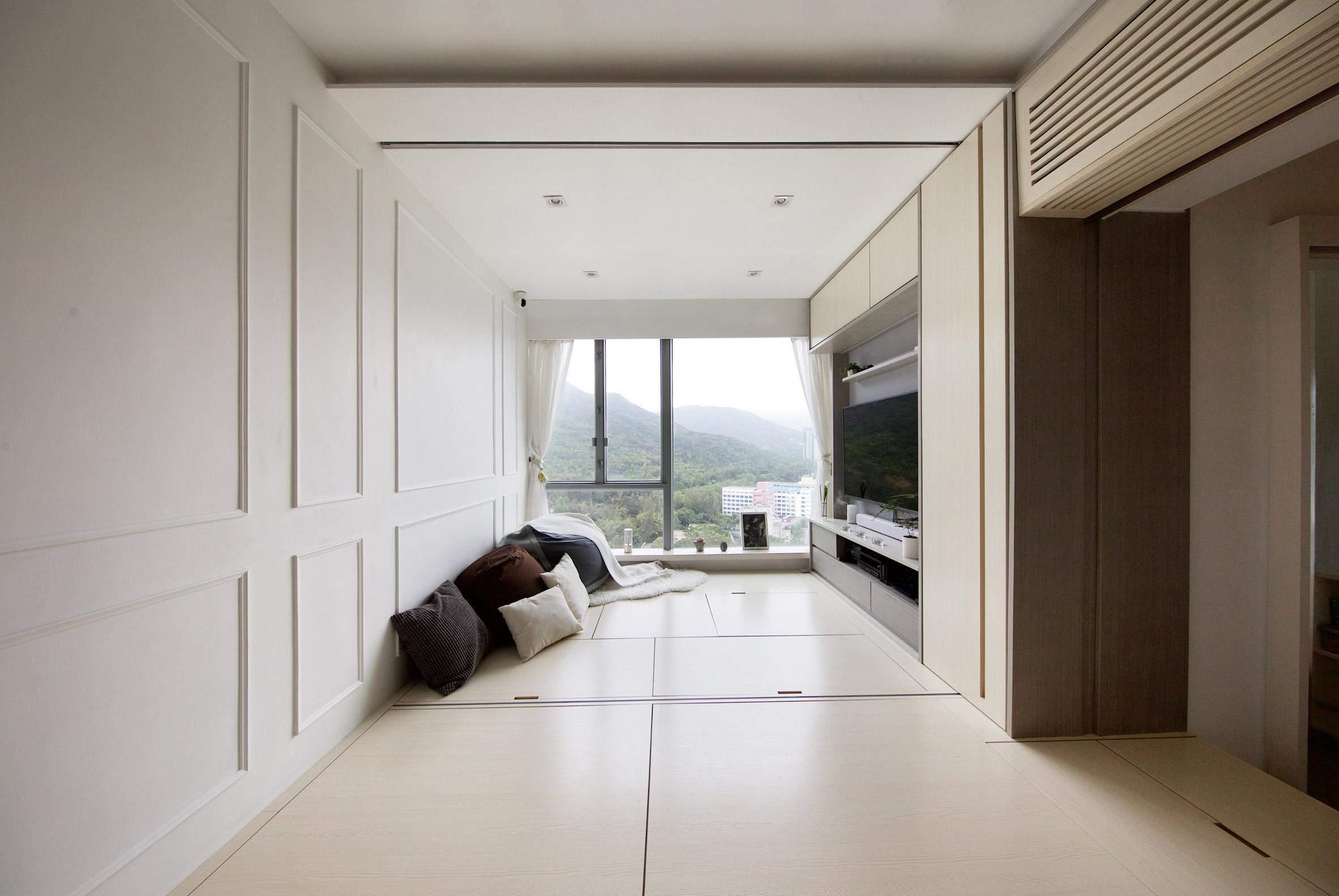 Коли меблі сховані, кімната стає просторою