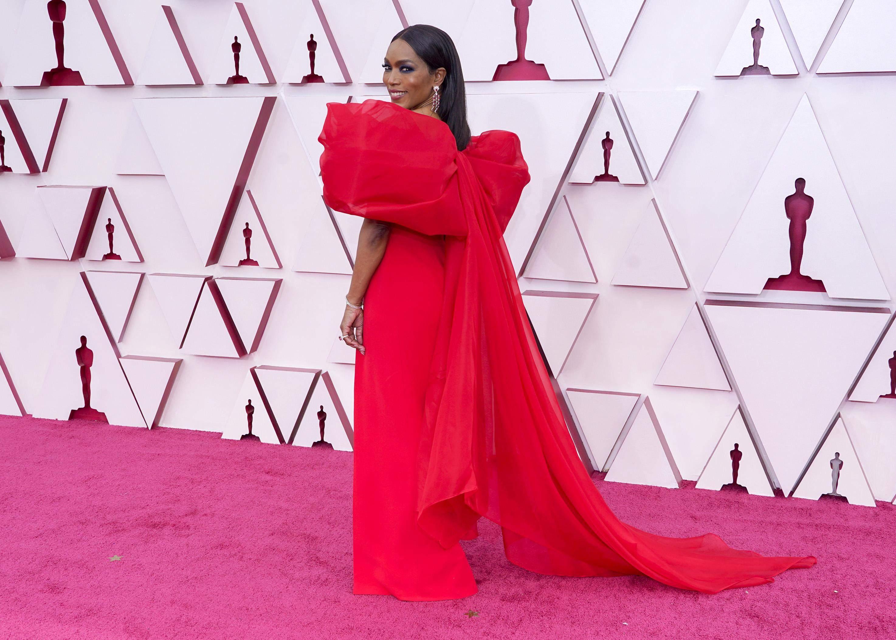 Оскар 2021 червона доріжка