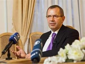 Клюєв подав у відставку, а дорогою з Криму на нього напали, — ЗМІ