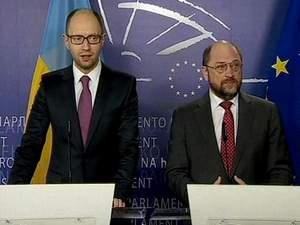 На саміті у Брюсселі Яценюк закликав Росію вивести війська з Криму