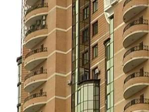 Орендарі масово відмовляються платити за помешкання у доларах