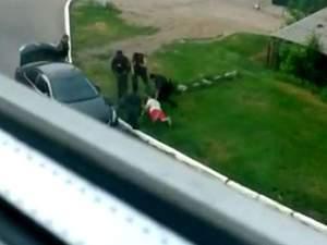В Луганську люди зі зброєю викрали чоловіка разом з його авто