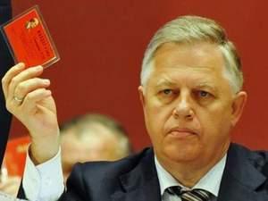 Симоненка побили, а Турчинов пообіцяв розпустити фракцію КПУ вже завтра