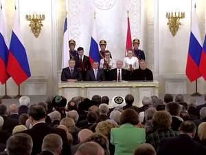 Полгода как Крым не наш. Оккупация изолировала полуостров, десятки тысяч крымчан стали беженцами