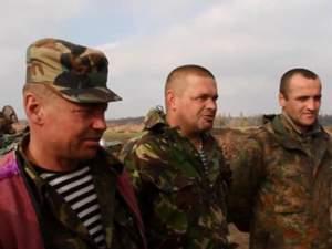 Бойцы обустраивают быт на блокпосту в Дебальцево [Видео]