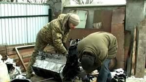 На Буковині волонтери ремонтують військову техніку – поламані деталі їм надсилають поштою
