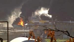 Рятувальники обіцяють погасити пожежу під Києвом до кінця дня