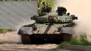 На радянські танки ставлять двигуни з вертольотів і відправляють в АТО