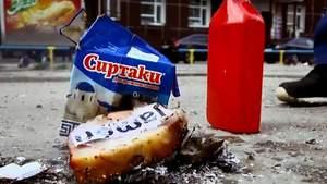 Росіянин спалив імпортні продукти, які не доїв