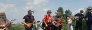 Бесплатный концерт известного российского музыканта пытались сорвать в Киеве: видео