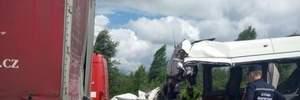Прокуратура начала расследование трагического ДТП под Житомиром, в котором погибли 10 человек