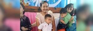 Отец-одиночка пришел в школу в платье, чтобы поддержать своих детей в День матери: фото