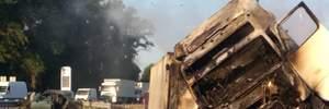 Страшна ДТП на Житомирщині: фура розтрощила ВАЗ, є загиблі, водій втік (фото, відео 18+)